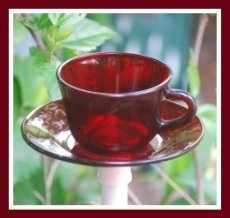 Red Tea Cup Feeder